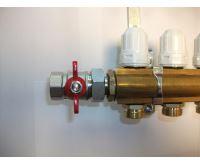 KIIPTHERM PROFI 4 - 10 okruhů, rozdělovač podlahového vytápění s hlavicemi a průtokoměry